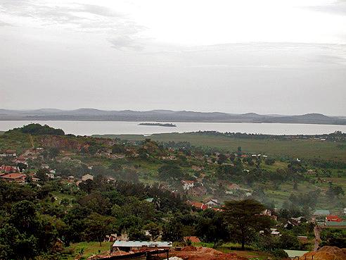 Vista desde Tank Hill en Kampala, desde donde se aprecia el Lago Victoria.