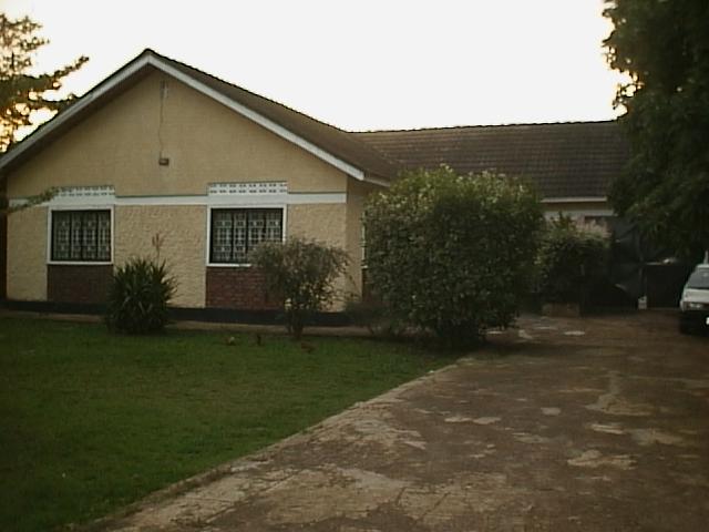 Primera casa en Uganda, la de este texto