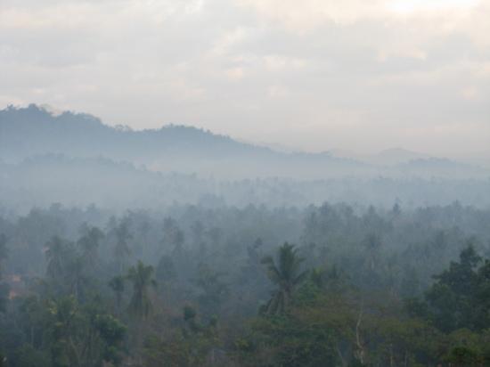 Amanecer - vista desde el templo de Borobudur